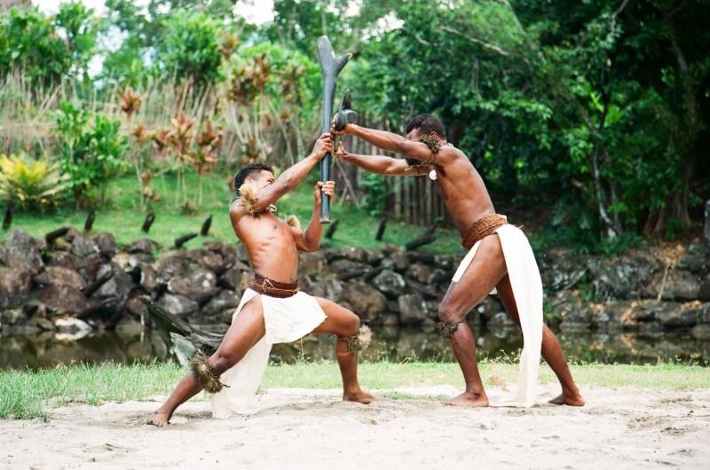 Африканцы с палицами