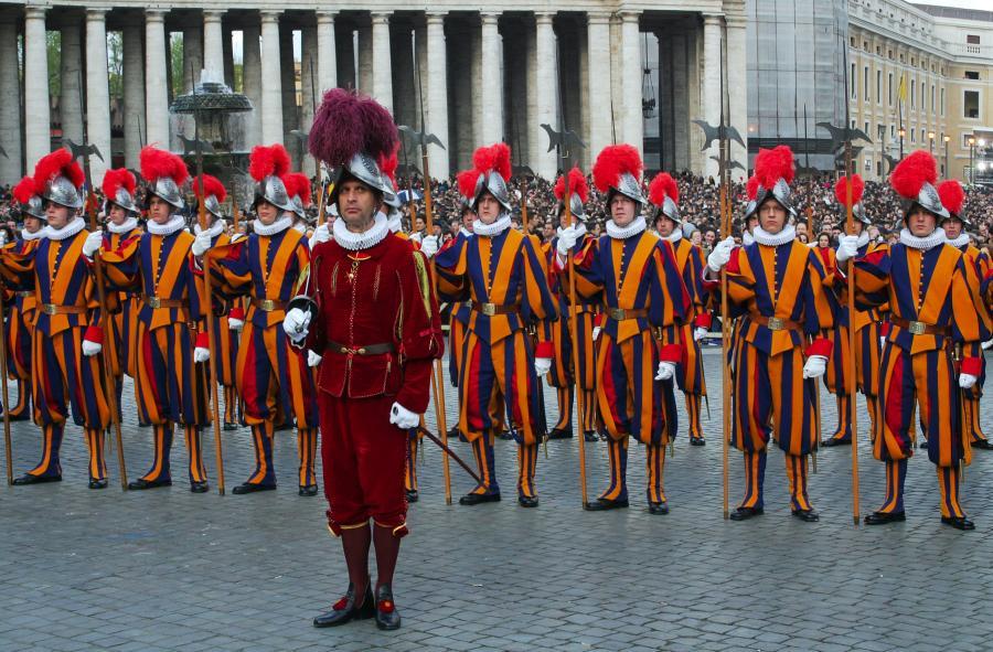 Алебардисты на параде