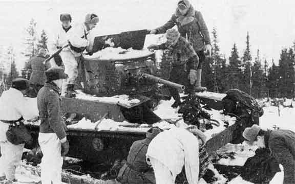 Захваченный советский танк