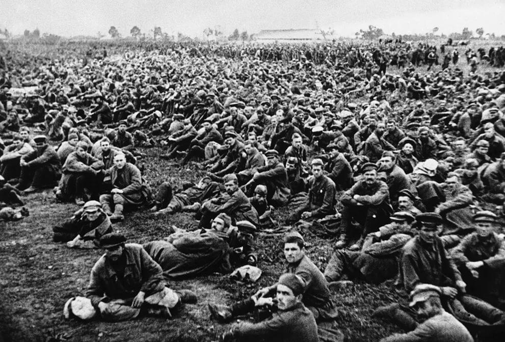 Солдаты после боя