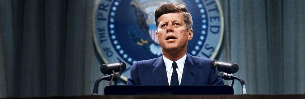 Президент Кеннеди с лунной программой