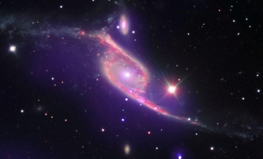 Галактики с перемычкой