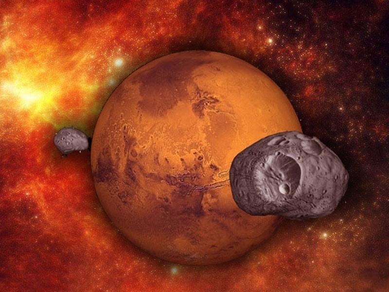 Марс со своими спутниками