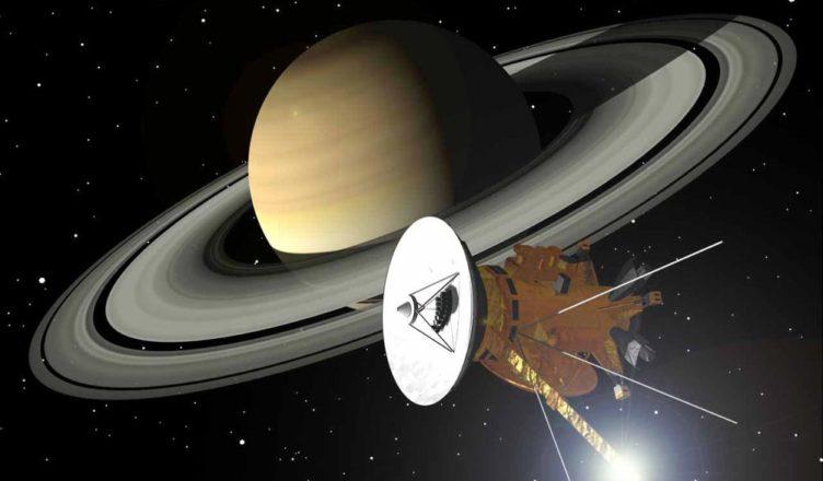 """""""Кассини"""" возле Сатурна"""