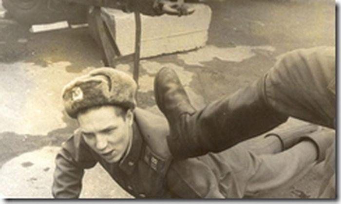 Избиение солдата