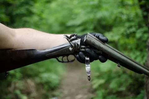 Ружье с откинутыми стволами