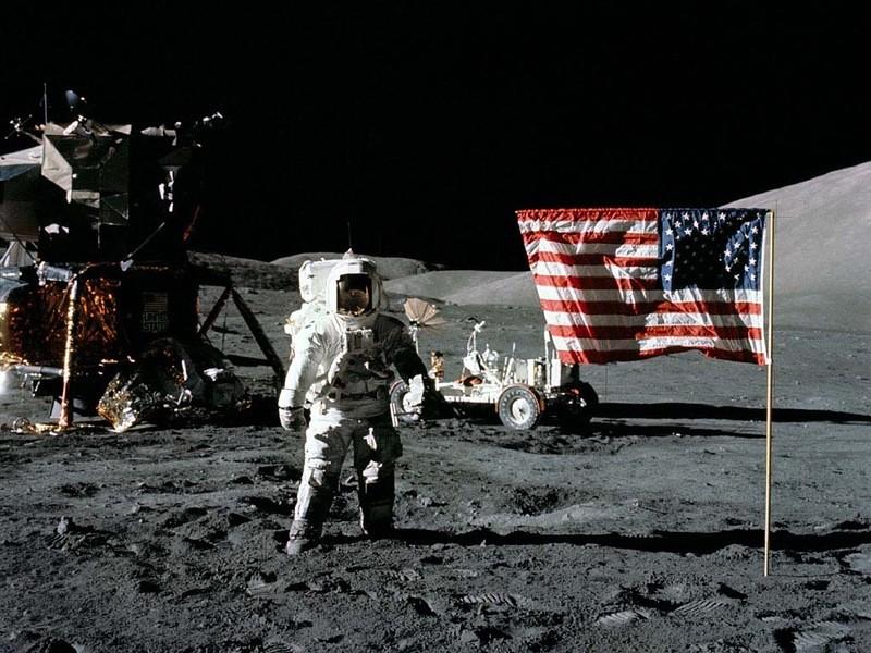 Высадка астронавтов на Луну