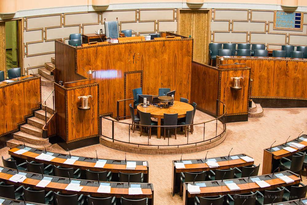 Место избрания президента, парламент