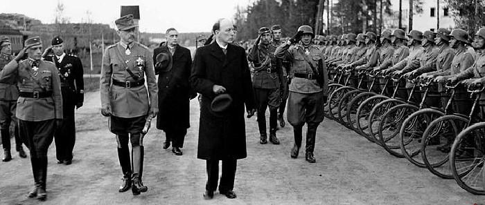 Президент Рюти и вооруженные силы
