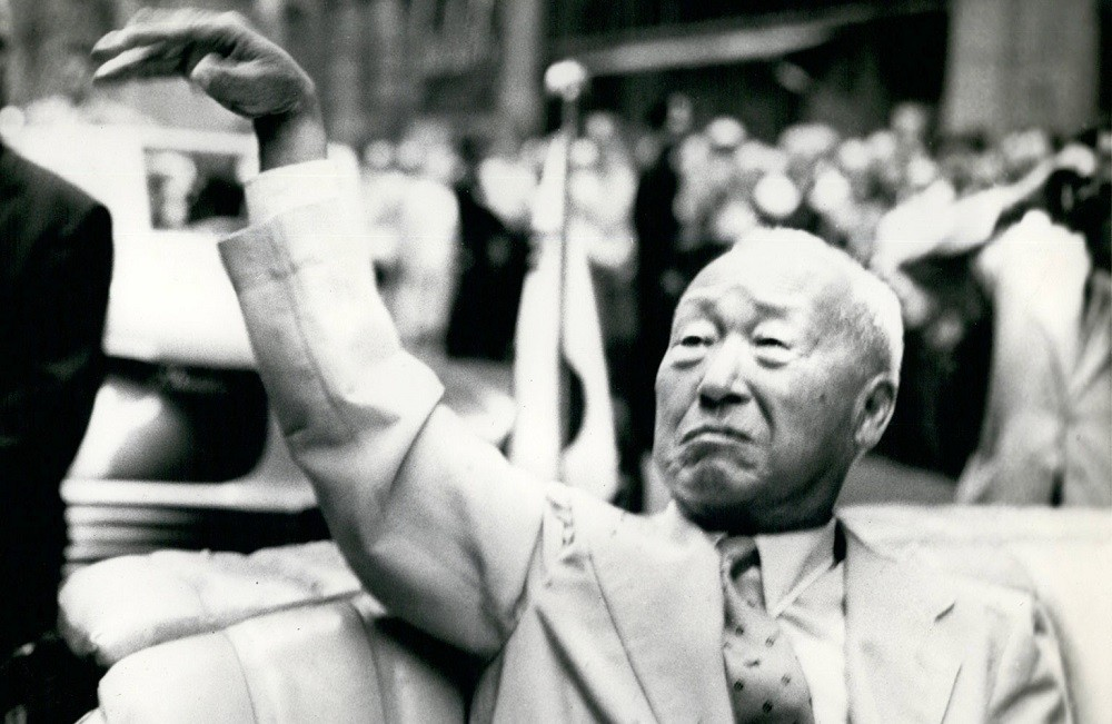 Лин Сын Ман побеждает на выборах