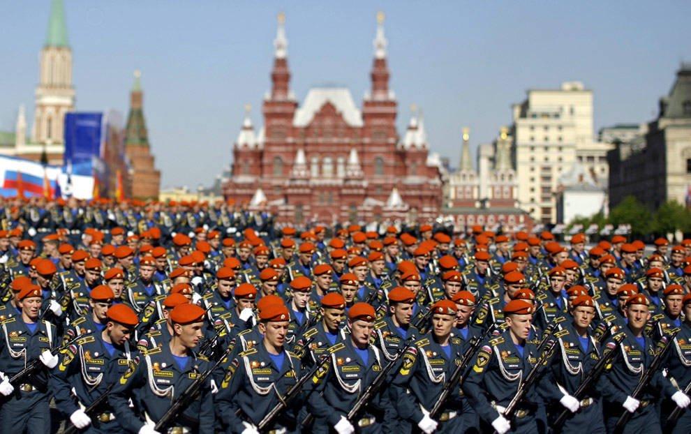 """Парад Победы 9 мая в 2018 году: парад на Красной площади, """"Бессмертный полк"""" и другие мероприятия"""