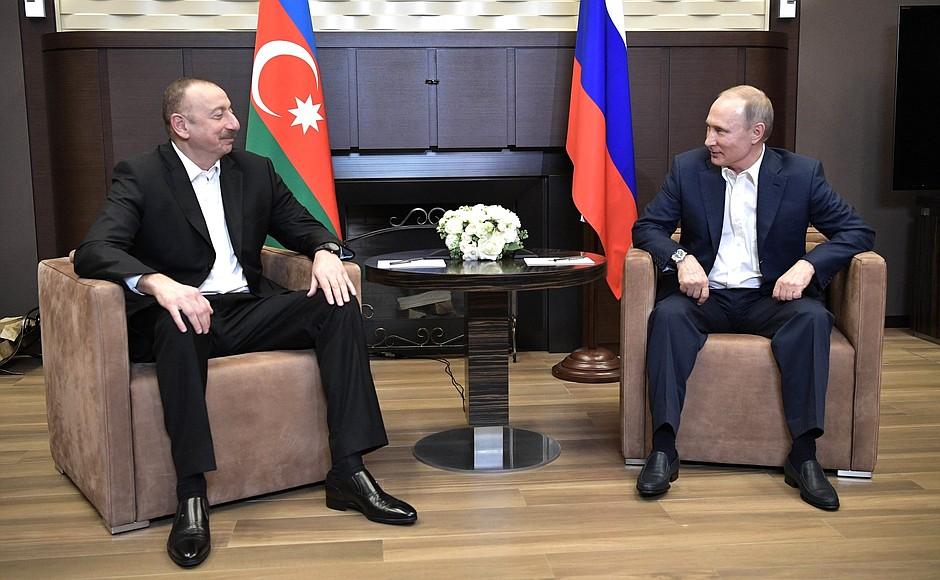 Президент Азербайджана на встрече с президентом России