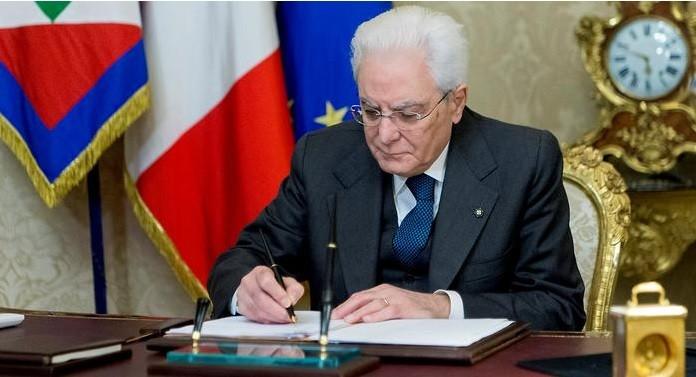 Президент Италии распускает парламент