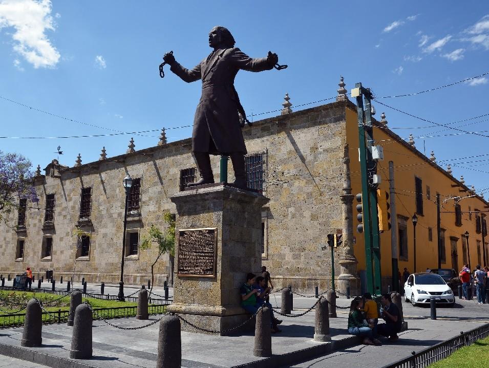 Памятник Мигелю Идальго