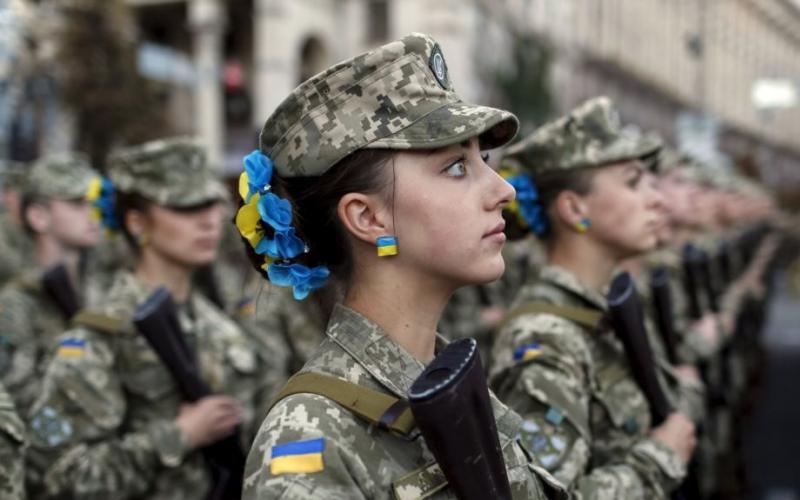 Девушки-солдаты