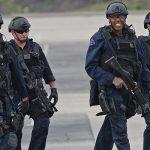 Оперативники SWAT