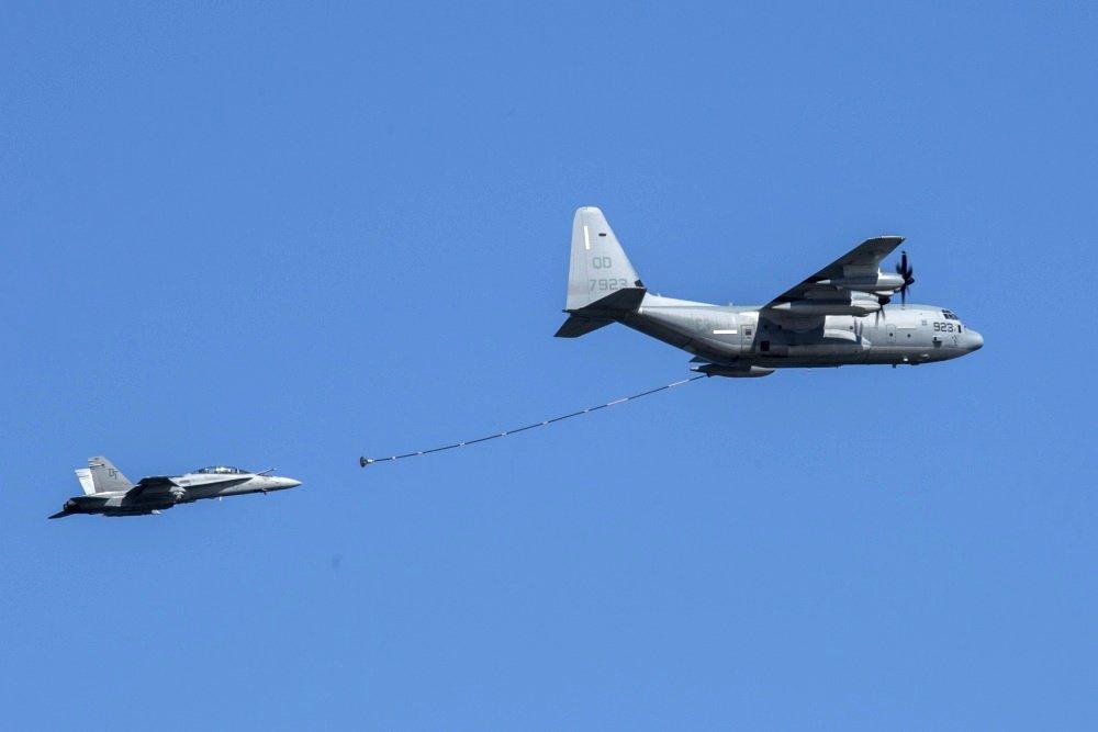 F/A-18 и C-130
