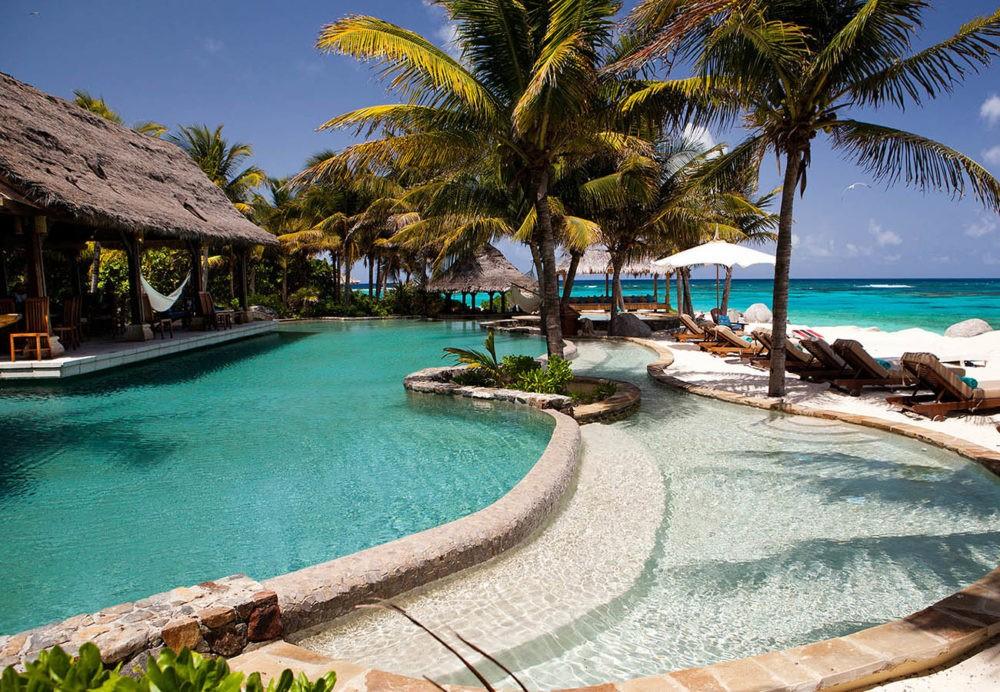 Курорт на острове Некер