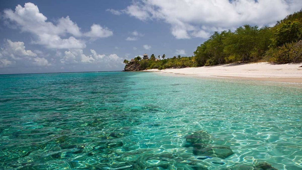 Пляж острова Некер