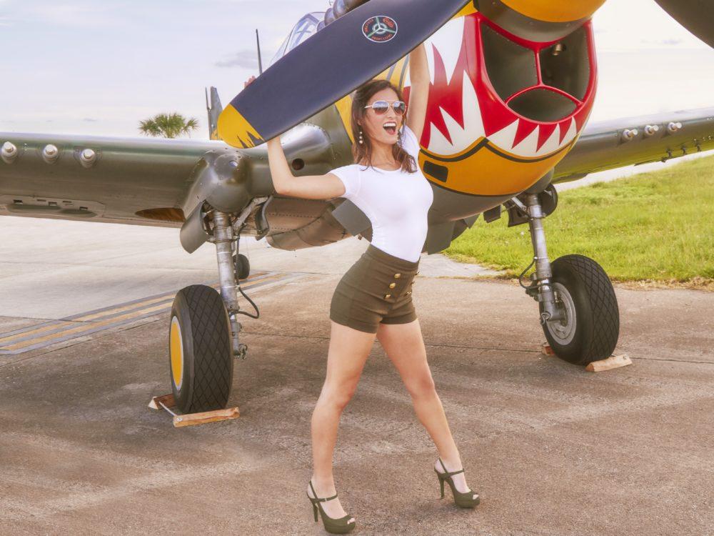 Самолеты и девушки