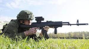 Солдат с АК 12