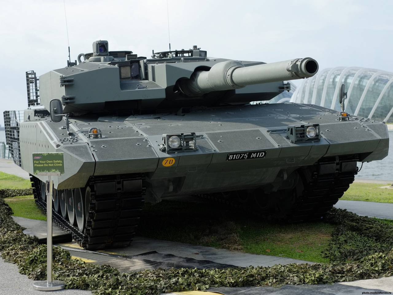 Leopard 2A7V на выставке