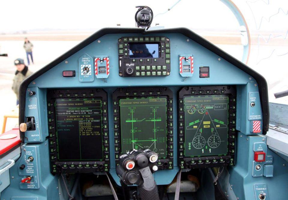 Кабина пилота Як-130