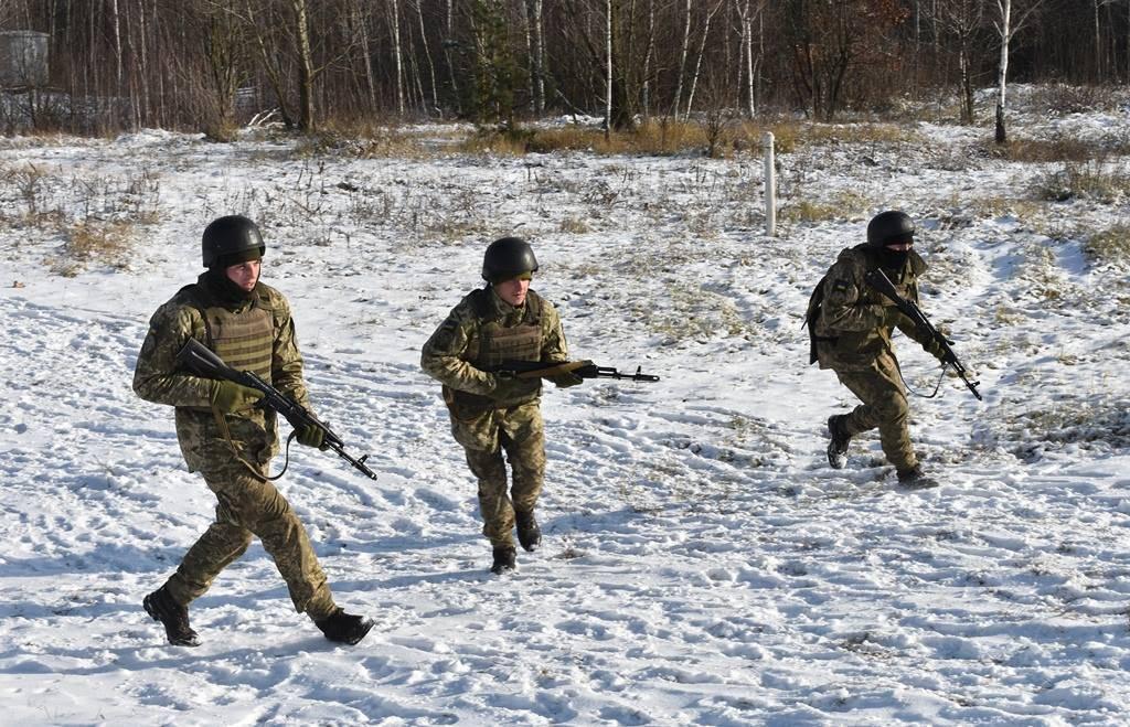Солдаты на минном поле