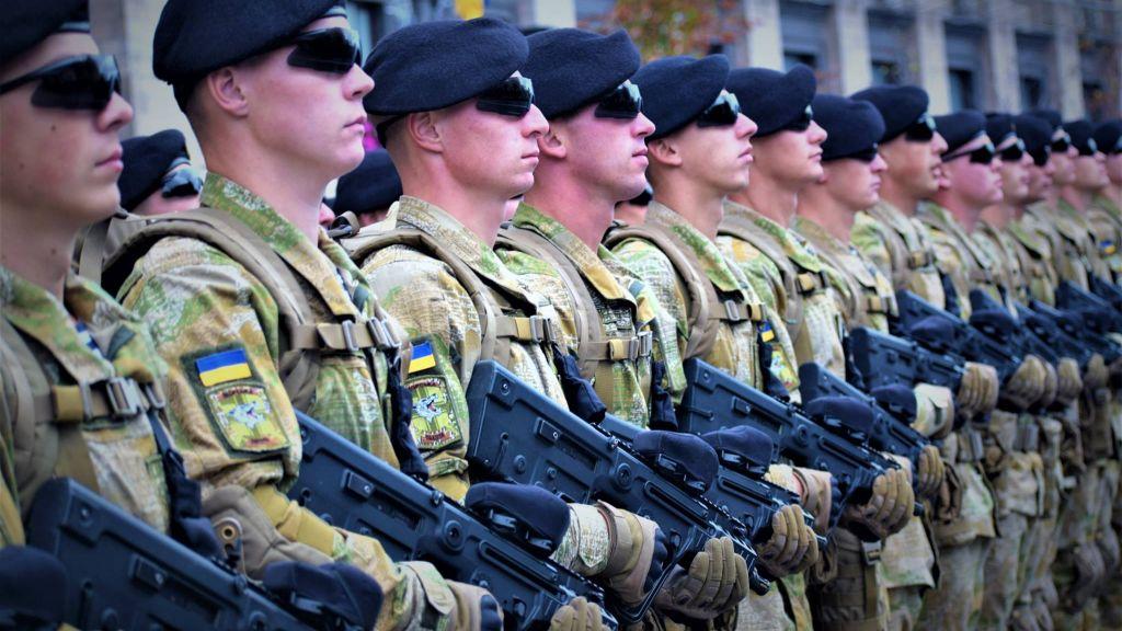 Солдаты ВСУ в строю
