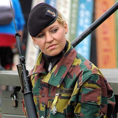 Женщина в бельгийской армии