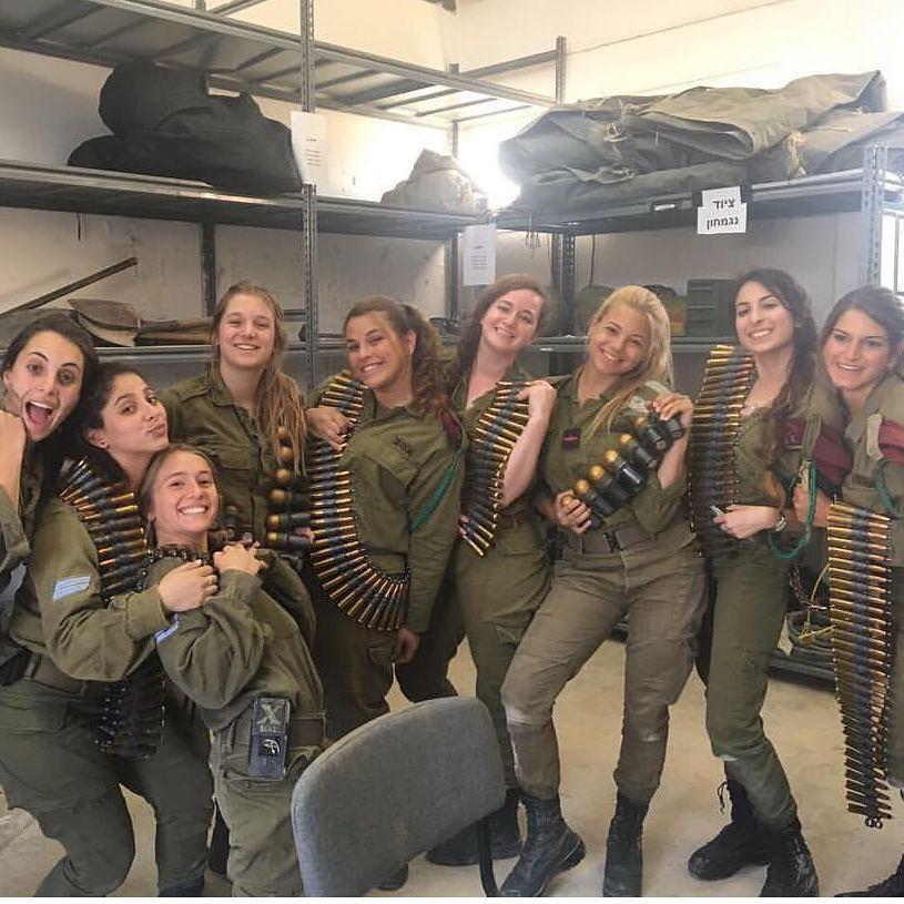 Женщины-танкистки