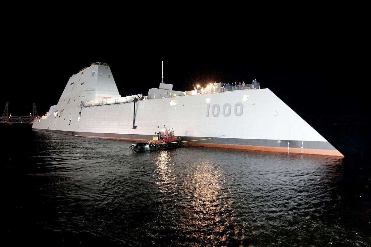 Американский эсминец «Замволт»