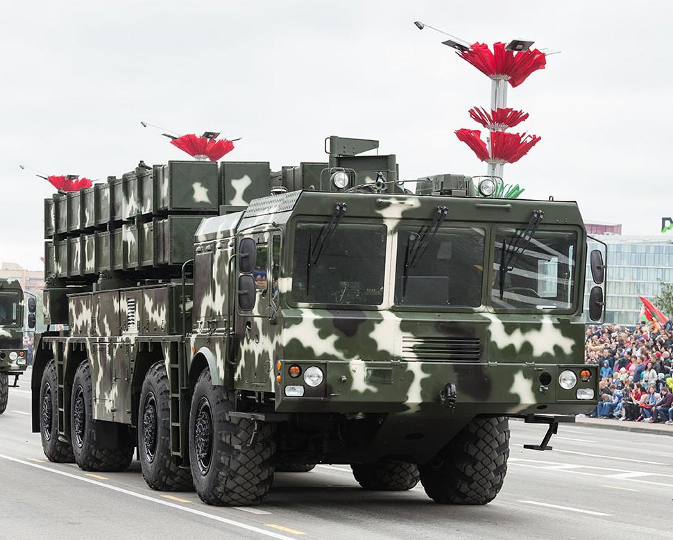 Иcкандер-М на параде в Москве