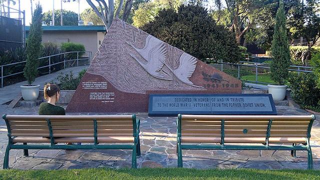 Памятник в США