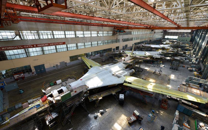 Сборочный цех Ту-160