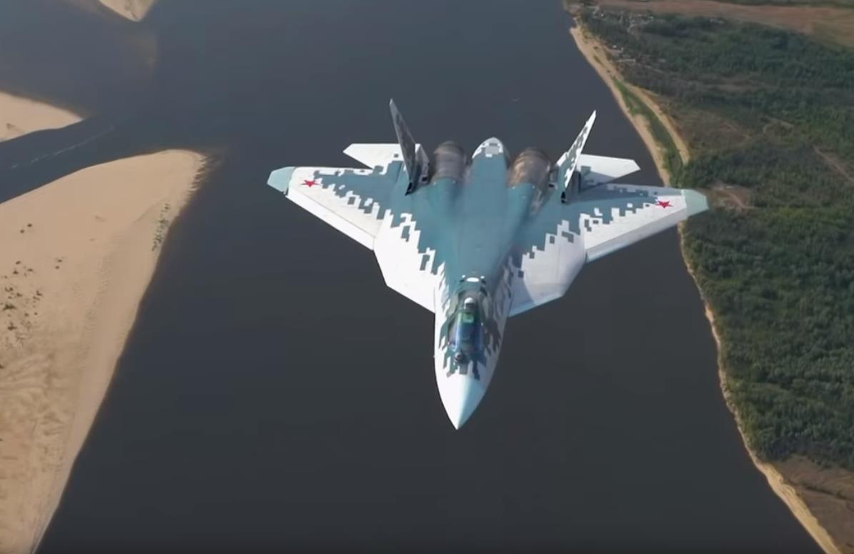 Су-57 над землей