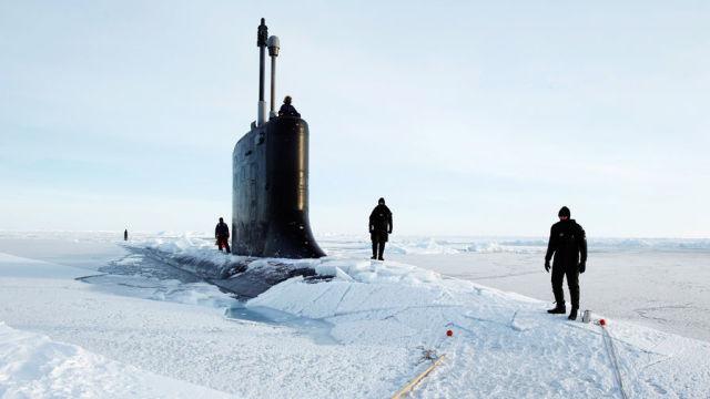 Субмарина в Арктике
