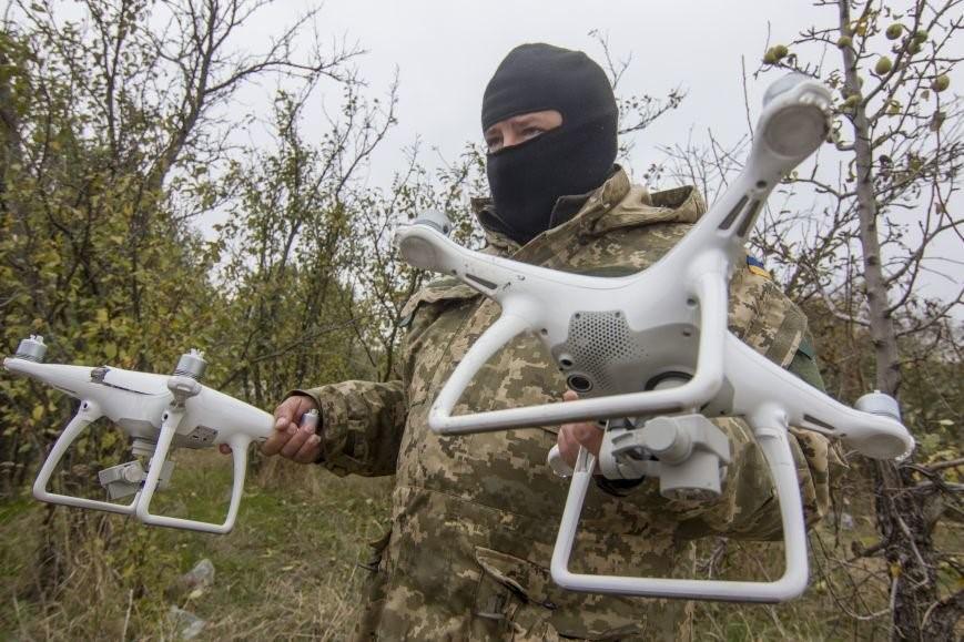 Украинский военный в маске