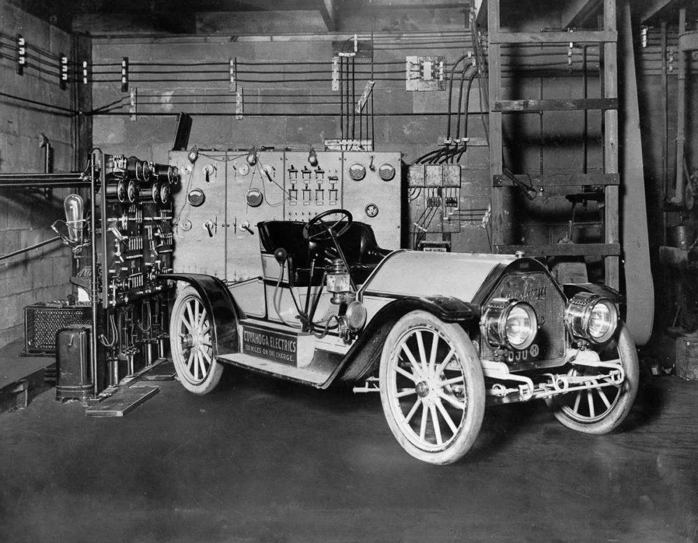 Один из первых электрокаров
