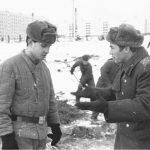 Солдат и офицер стройбата