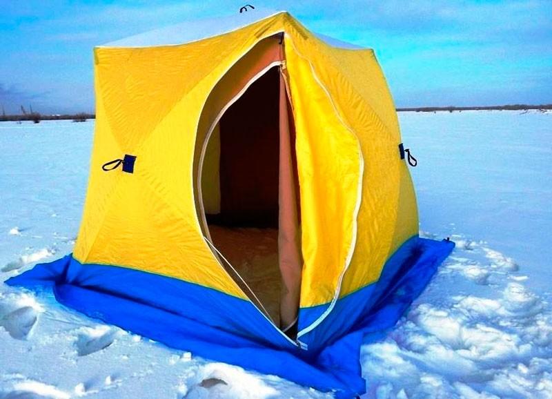 Установленная зимняя палатка