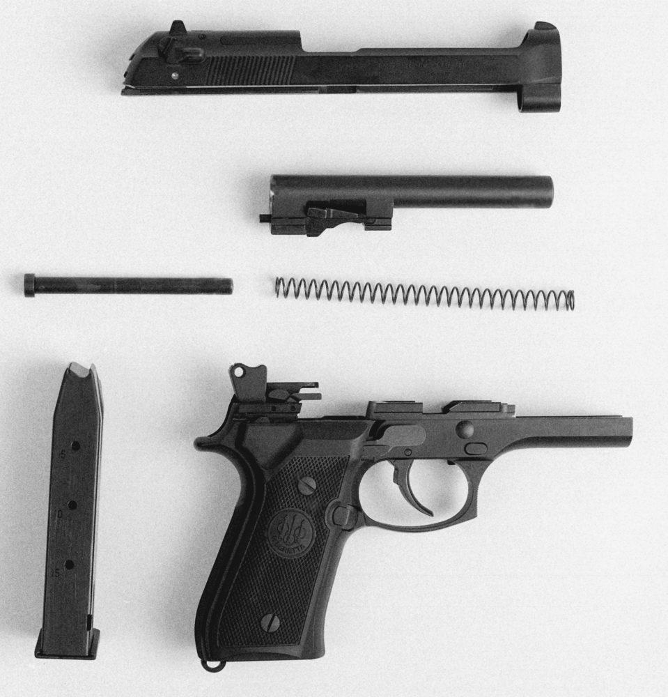 Разобранный Beretta 92