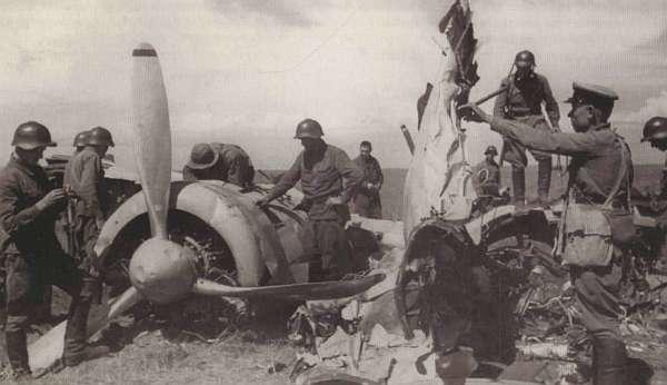 Сбитый бомбардировщик Ки-21