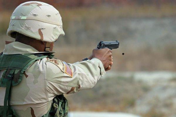 Стрельба из M9