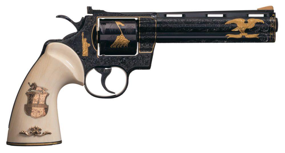 Топ-5 - Colt Python