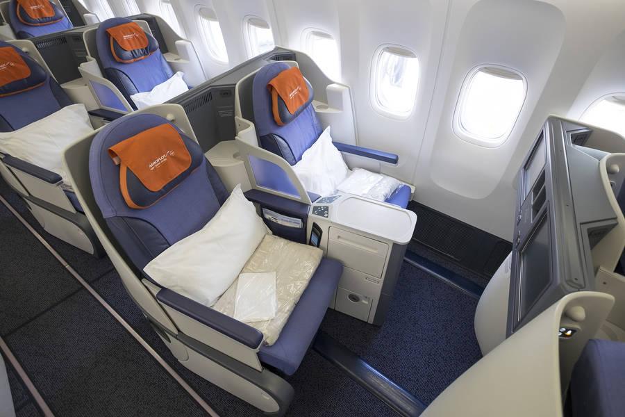 Бизнес-класс Boeing 777-300ER