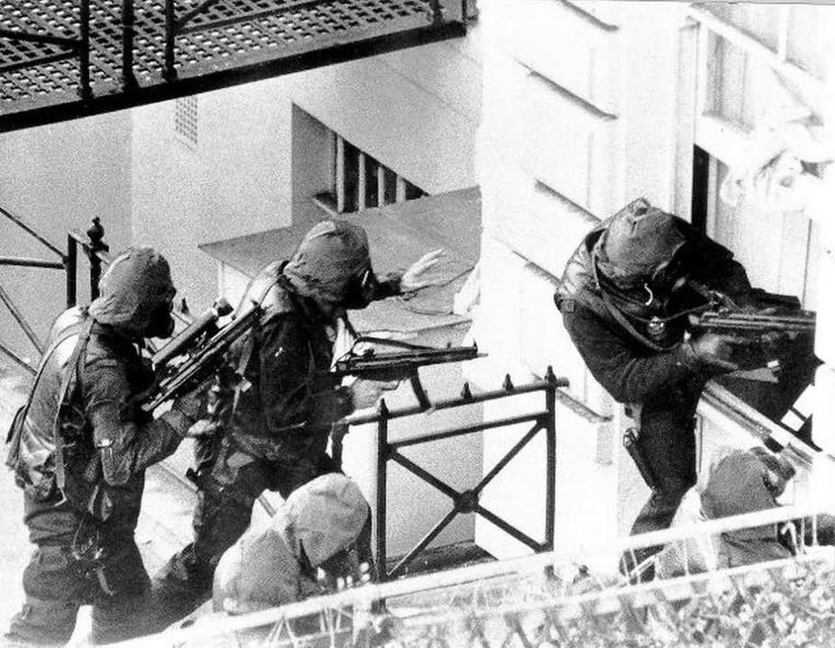 Бойцы SAS с MP5