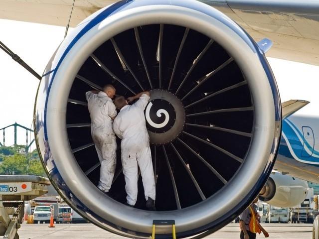 Двигатель 737-го