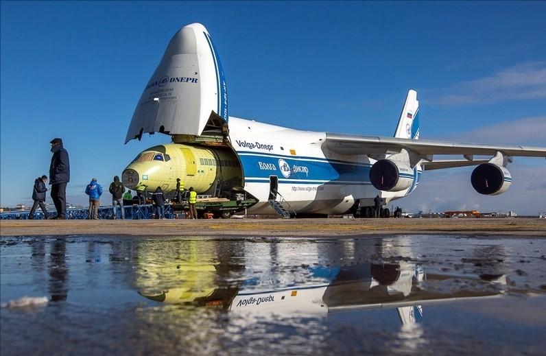 Груз Ан-124
