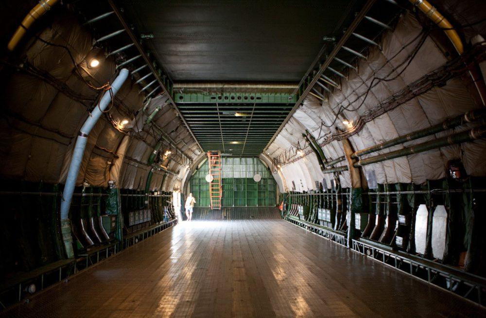 Грузовой отсек Ан-124